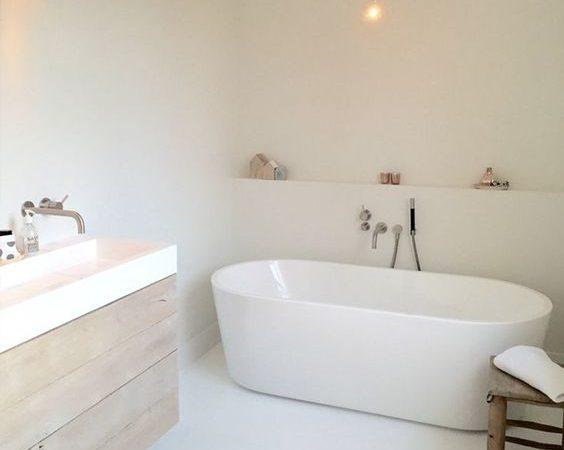 Een gietvloer in de badkamer